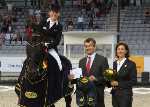 Prize giving ceremony HAVENS Horsefeed-Prize Photo: CHIO Aachen / Michael Strauch