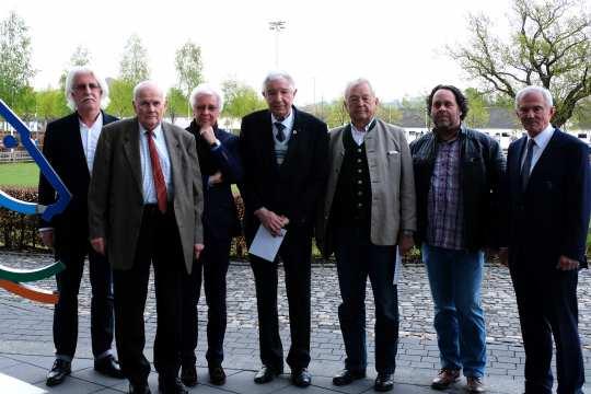 Das Foto zeigt v.l. Kurt-Heinrich Radermacher, Hans Wolter, Hans-Joachim Wagner,  Albert Haugg, Manfred Hauswirth, Dirk Geller und Carl Meulenbergh.