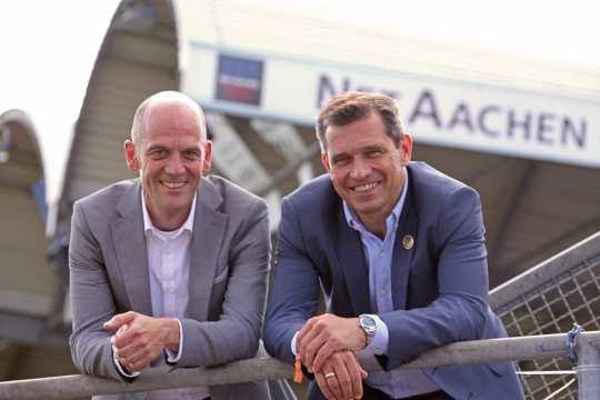 Managing director of NETAACHEN GmbH, Andreas Schneider (left) und Michael Mronz, Managing director of Aachener Reitturnier GmbH (right). Foto: CHIO Aachen, Foto Studio Strauch.